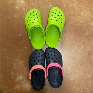 CROCS Shoes - Two pairs of crocs! Men's 5 women's 7. Gently used